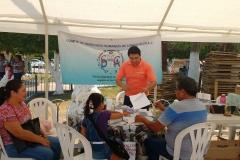 Levantando-encuestas-sobre-la-sitiacion-que-se-vive-en-el-municipio-de-Comalcalco-1