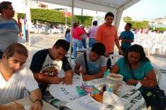 Levantando-encuestas-sobre-la-sitiacion-que-se-vive-en-el-municipio-de-Comalcalco-2